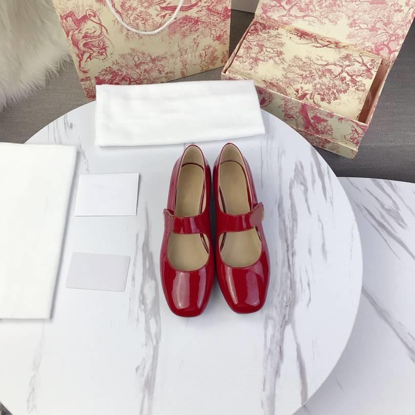 Dior Sapatos femininos casuais elegantes que são versáteis em 2020 saltos altos de designers de luxo cvsfkjh