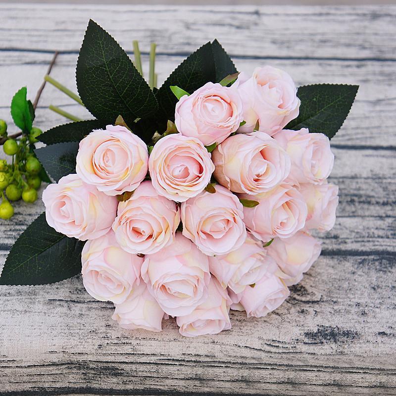 18pcs / lot rosa rosa rojo flores artificiales para la decoración de la fiesta del hogar Flowers Flowers Wedding Bouquet Navidad