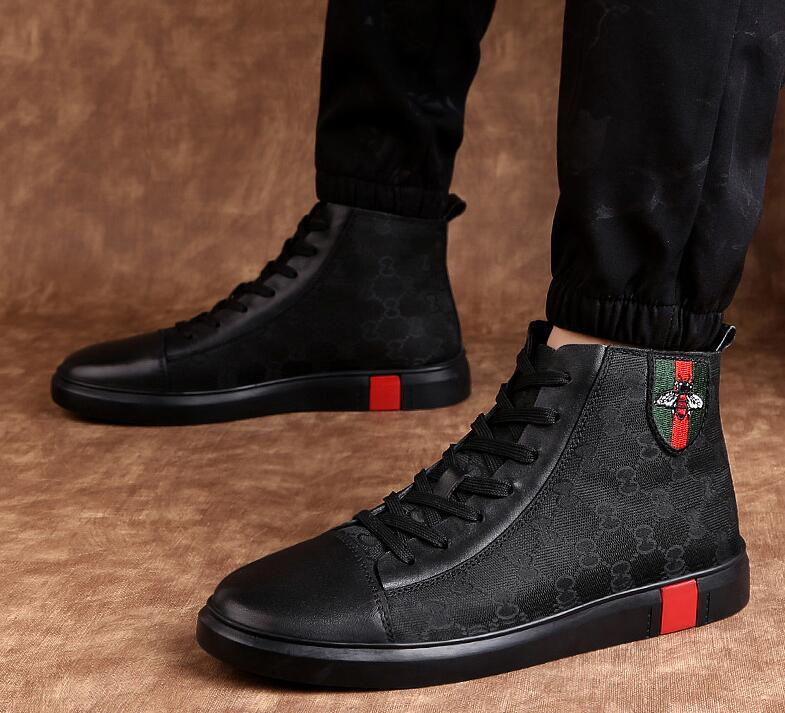 Casual couro genuíno sapatos de luxo Driving Oxfords Flats Botas sapatos de casamento dos homens novos homens preguiçosos mocassins italianos para homens 38-47