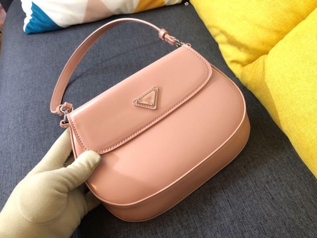 Новые сумки дизайнеры Luxurys Classic 2020 рукой стиль подмышечный леди мода мода личности косметическая сумка DHVRV