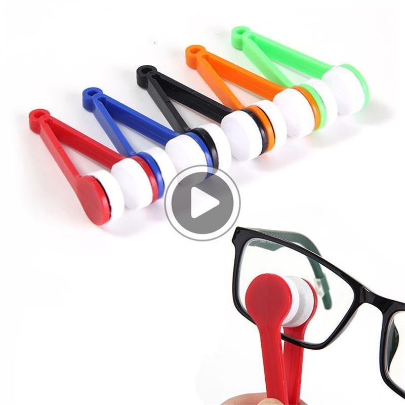 50pcs Eye Verre Nettoyant Microfibre Pinceau Plastique Sunglasses Lentilles Nettoyage Lingettes Outils Outils multifonctions Portable Portable Pinceau Random Couleur NXHCB