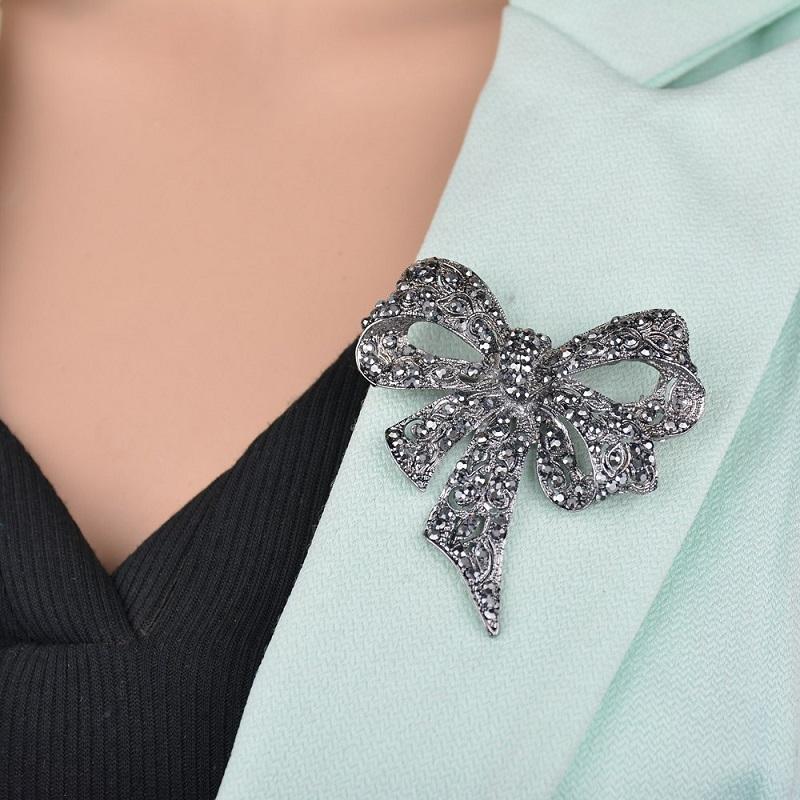 كريستال حجر الراين القوس دبابيس دبوس للنساء كبير bowknot بروش دبوس خمر الأزياء والمجوهرات الشتاء اكسسوارات عيد الميلاد هدية