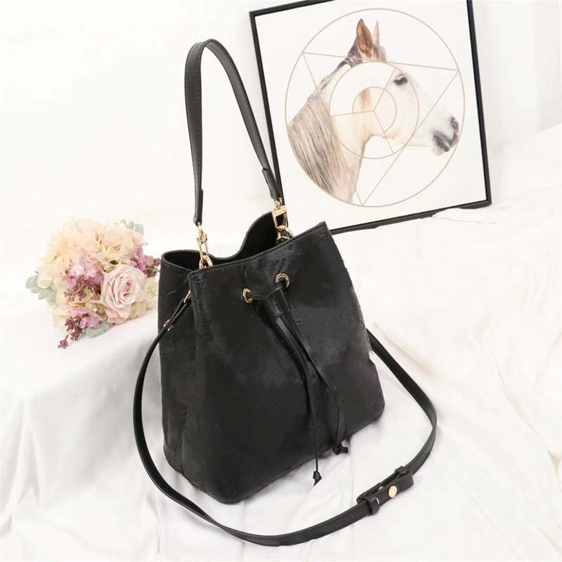 Moda de alta qualidade retro bolsas crossbody para mulheres luxo de couro em relevo colocado fora de impressão de bucket saco de bolsa de bolsa de bolsa de bolsa