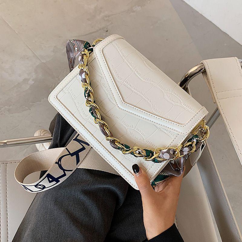 All-Match-Krokodil-Muster Womens Bag 2020 Neue Mode Womens Seidenschal Umhängetasche Internet Celebrity Kette Crossbody Kleine Quadrattasche