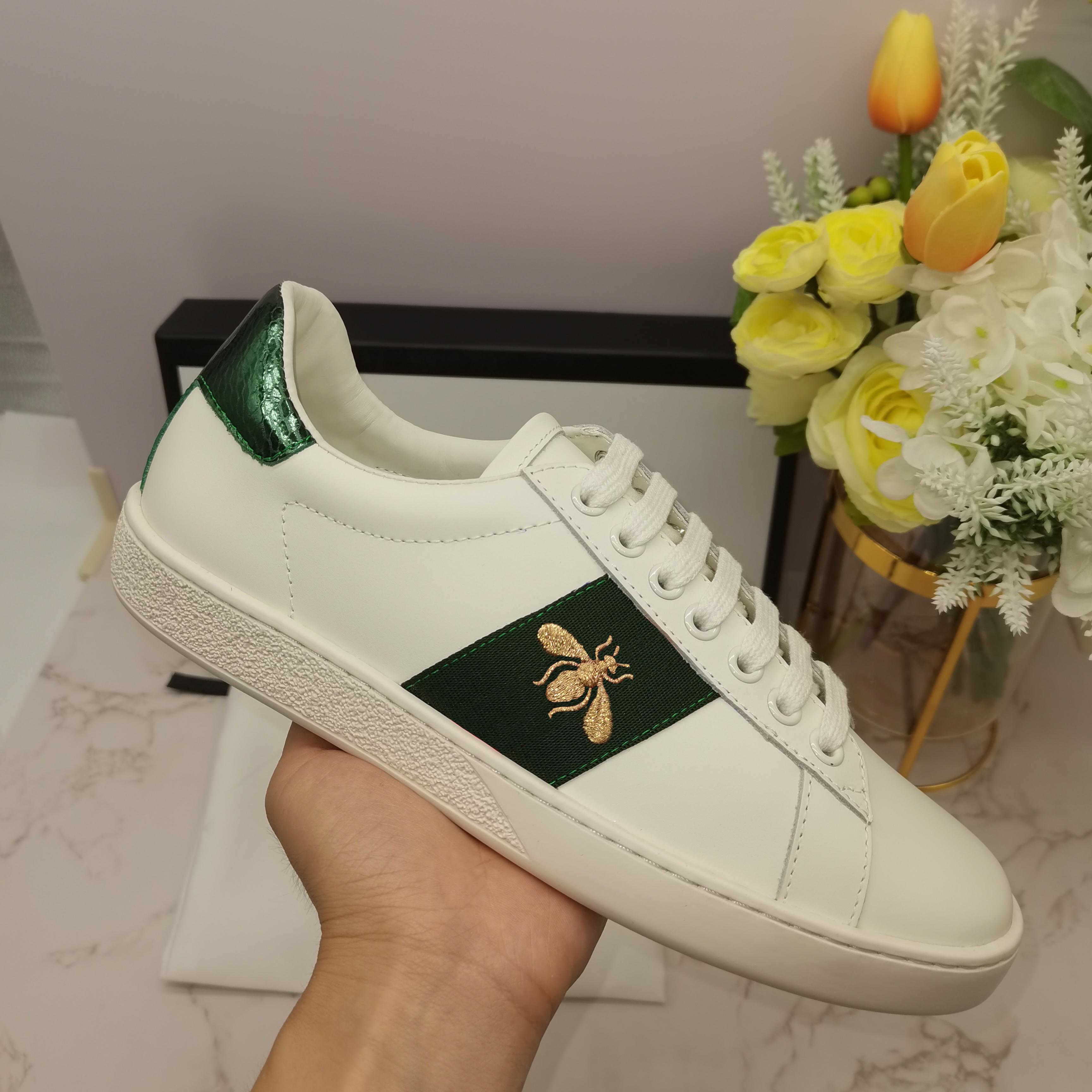 الرجال رخيصة النساء عارضة أحذية رياضة منخفضة أعلى جلد مطرز ايس أحذية النحل النمر المشارب حذاء المشي المدربين des chaussures
