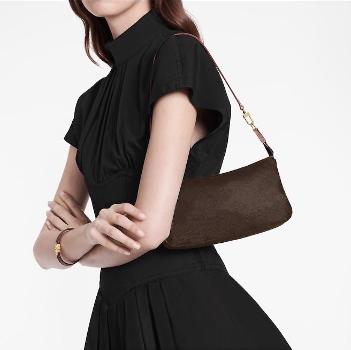 Luxurys 디자이너 가방 Tote 2021 새로운 Cleo 겨드랑이 가방 어깨 가방 지갑 핸드백 지갑 여성 크로스 바디 가방 배낭 가죽 가방