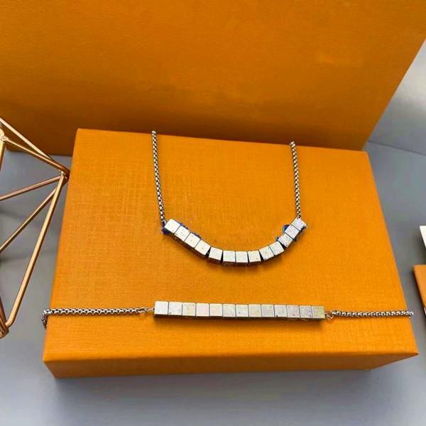 Top Qualité Prestige Acier inoxydable DICE Collier de fleurs Collier Mode Homme et Femme Bracelet Cadeau de vacances Bijoux