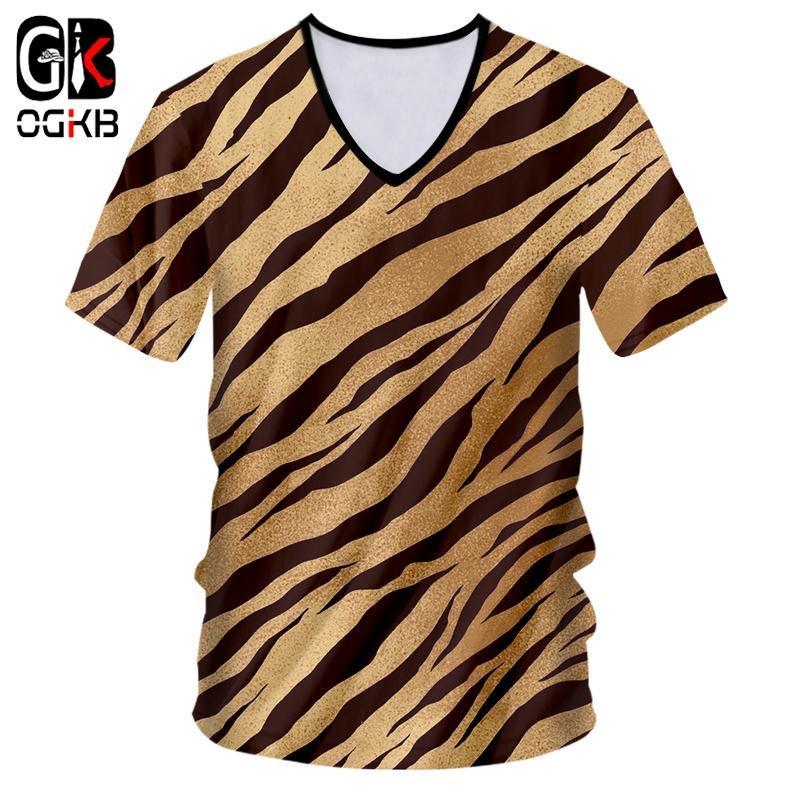 OGKB Summer Man New Slim Fit V Collo Tshirt 3D Stampato nero Black Bianco Leopardo Stampa Casual Dimensione Big Size Costume Molla T Shirt da uomo