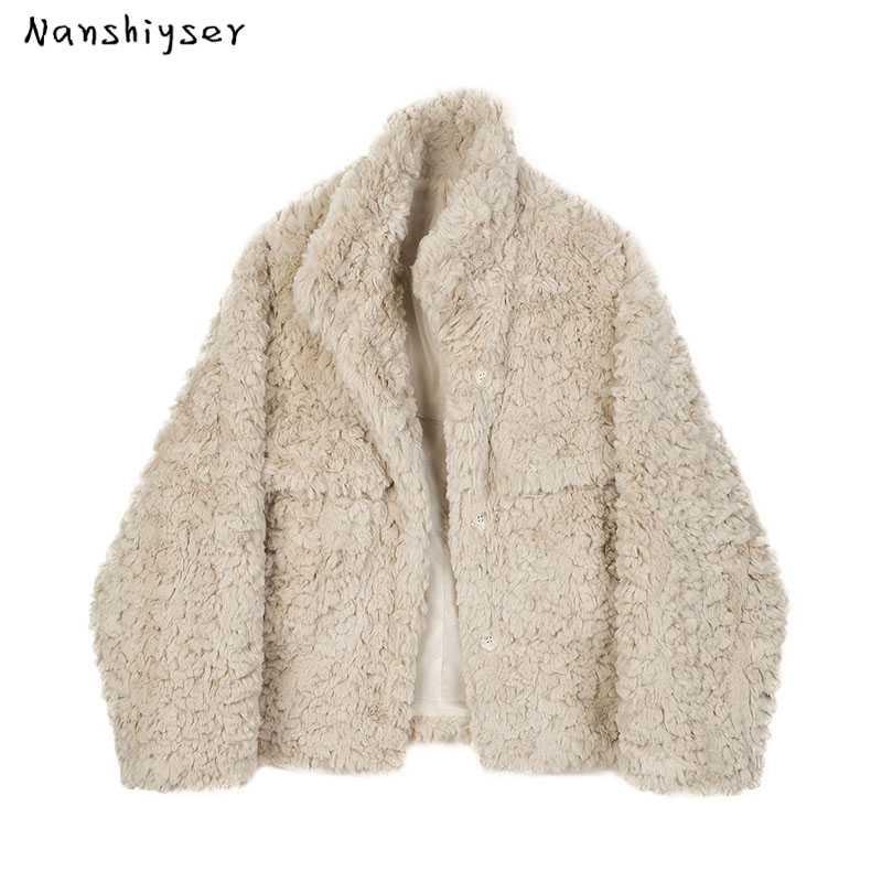 Frauenpelz Faux Herbst Winter Weibliche Koreanische Lammwolke Verdicken Weiche Plüschmantel Lose Einreiher Stehkragen Frauen Kurze Oberbekleidung