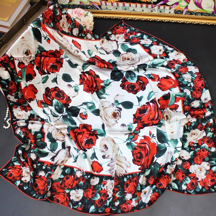 Lady Beach Seda Bufanda de seda Pañuelo de cabeza Femenino Impresión de moda Rosa Rosa Grande Square Scarfs Lujo Viaje Shawl 110cm Hecho a mano Rolling