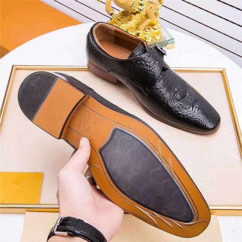 Scarpe Oxford per gli uomini Italiano pelle scamosciata in pelle da sposa Designer Designer Dress Shoes Zapatos de Hombre de vestiir Scarpe formali Uomo Oxfords
