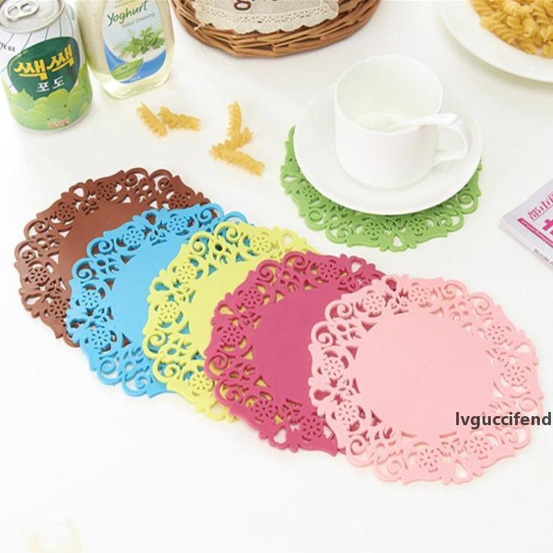 Kaffeetasse Halter Blumeförmige farbige Silikon Runde Tisch Hitzebeständige Matte Tasse Kaffee Coaster Kissen Tischsatt Pad