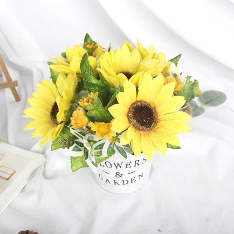 Girasoli artificiali Mini Bonsai con un vaso di ferro Pianta in vaso per la decorazione di nozze Fiori finti Fiori domestici Giardino da giardino Forniture