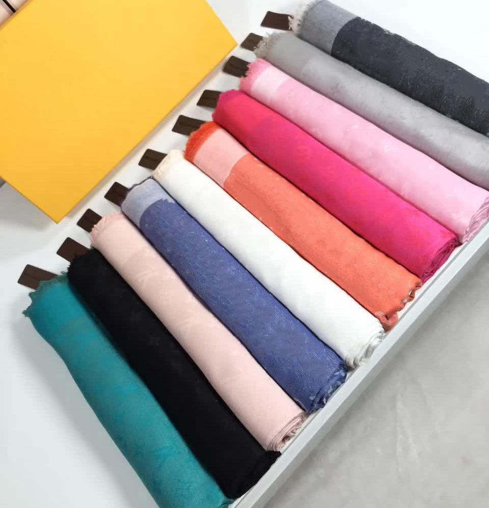 19 스타일의 특대 숄 140 * 140cm 부드러운 모든 면화 삼각형 여성 목도리 디자인 패션 스카프