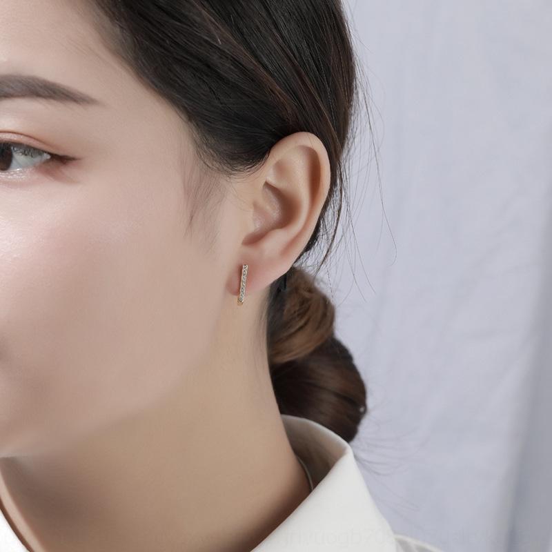 O26HP S925 Стерлинговое серебро Геометрические для женских и простых и прохладных стилей Zircon Micro Inlaid Серьги New Модные Серьги в 2021