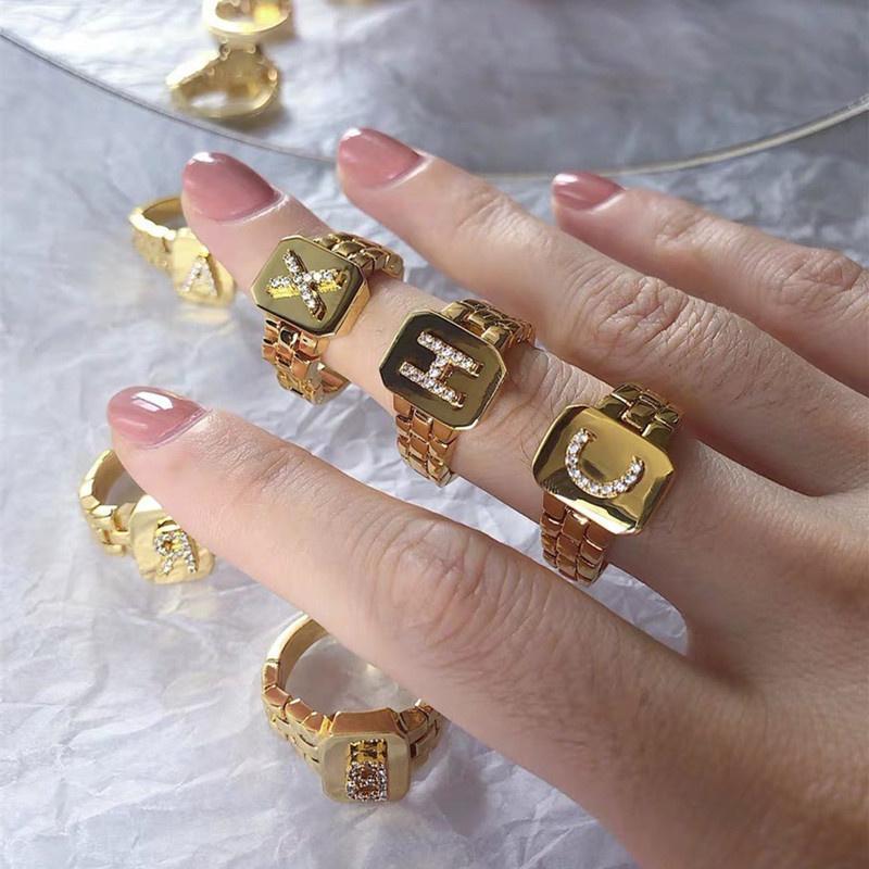 Le donne anelli di moda giallo placcato oro placcato bling cz diamante A-Z Lettera anello per ragazze donne moda sposa amante gioielli