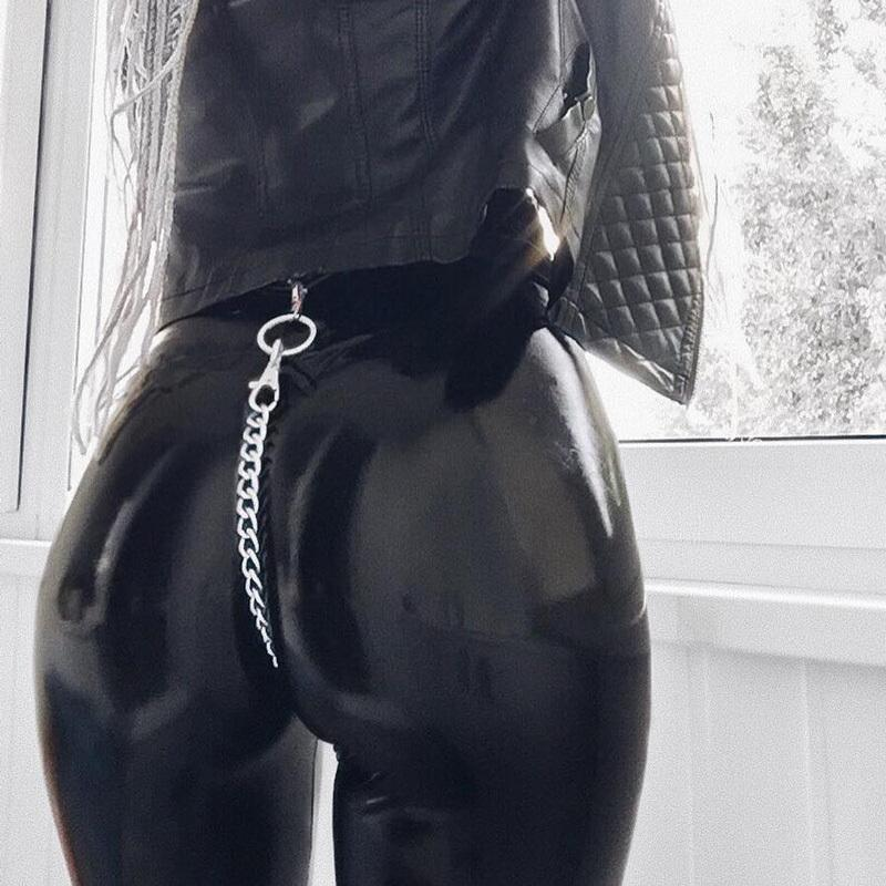 ПУ искусственная кожа тонкий карандаш падает женщина 2020 весна осень высокая талия bodycon push Up цепь новая модная уличная одежда брюки