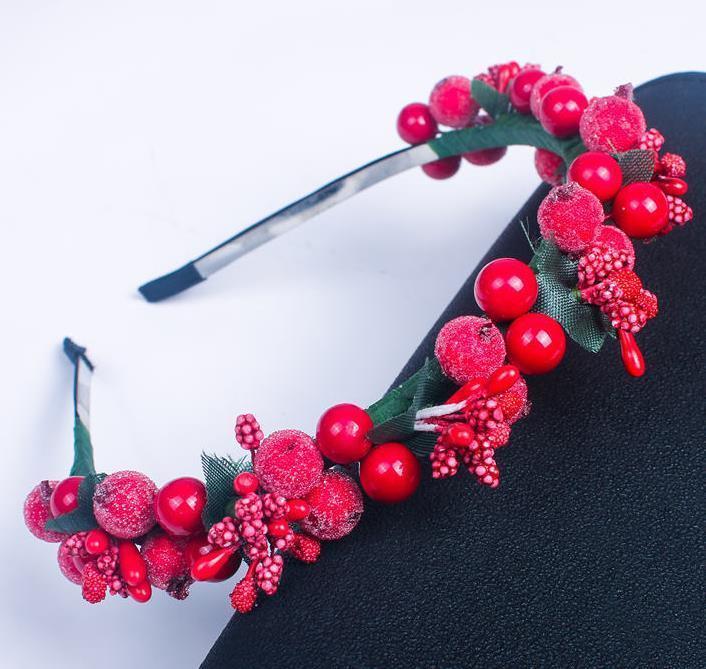 Enfants Femmes Red Berry Fairy Hair Bandeau De Chef de Noël Partie de Noël Tête de cerisier Garland Fraise Boho Headwear Décor artificiel Y1125