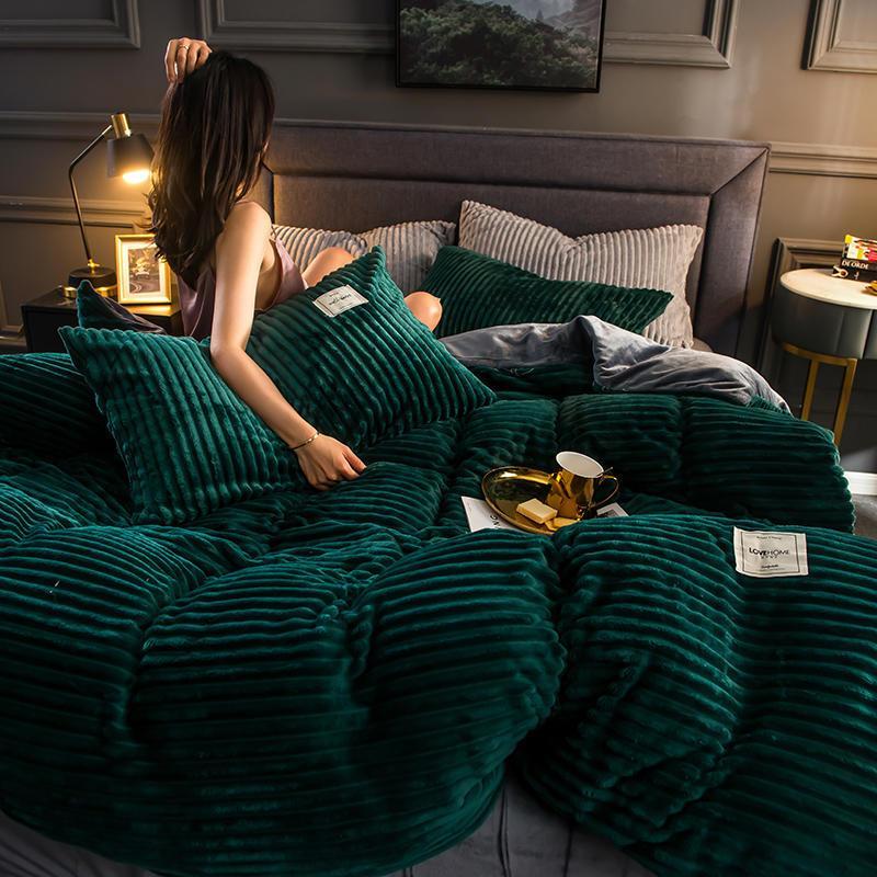 Couvre-cou de duvet de velours magique de luxe double double queen size taille hiver hiver épaissie chaude couture couette couverture peluche lit de lit oreiller lj201128