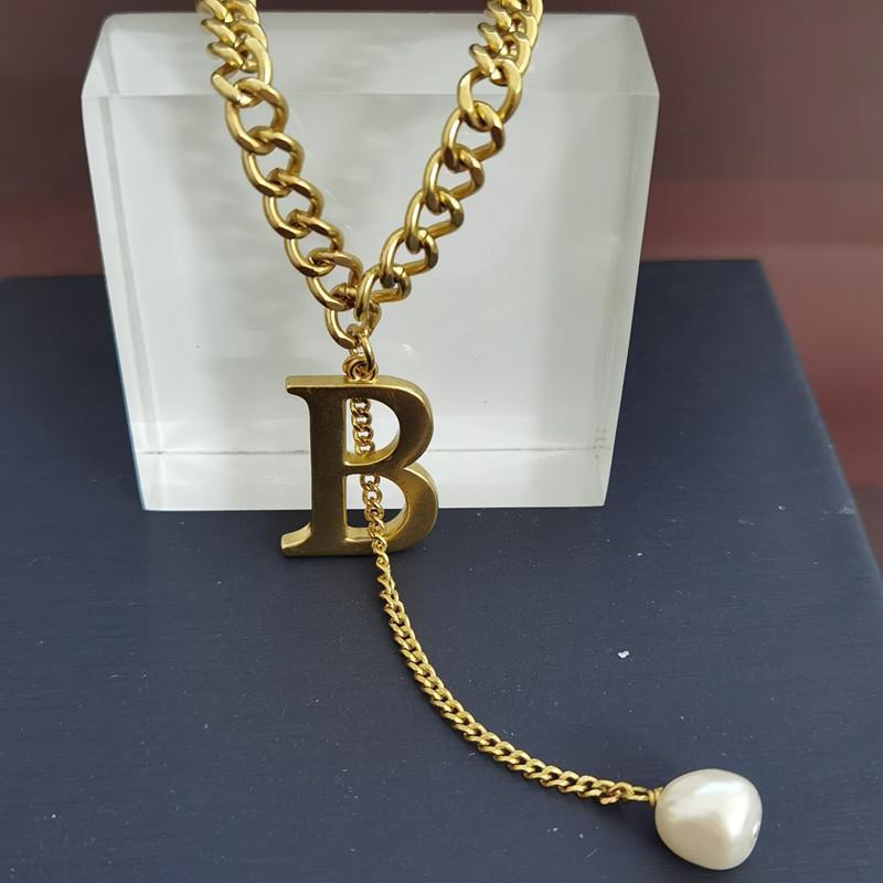 ذهبية مطلي B إلكتروني قلادة سميكة مناسبة للنساء مجوهرات المرأة الجديدة قلادة
