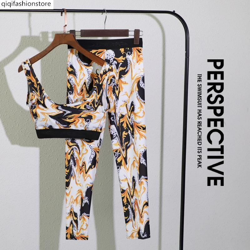 Marca de moda Deportes Corriendo Fitness Yoga Use una variedad de traje de baño impreso de la corte de dos piezas