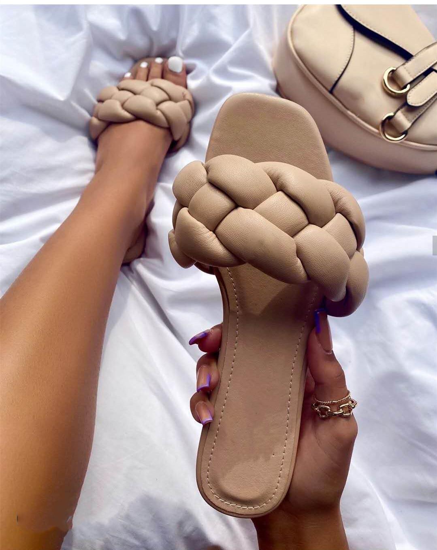 2021 Zapatillas plana de la manera mujeres de la armadura de diapositivas sandalia de las señoras de mulas al aire libre playa de la señora mujer de los zapatos Inicio Zapatillas Mujer Fracasos de tirón