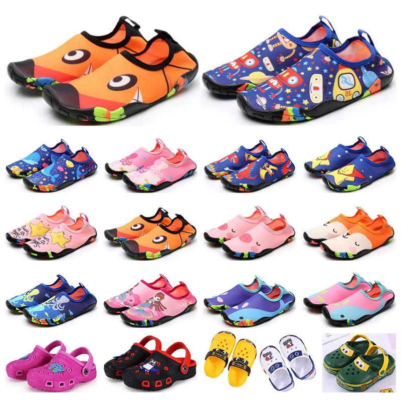 Scarpe sportive per bambini all'ingrosso Wading Sandali traspiranti Sandali traspiranti Beach usura antiscivolo resistente all'usura cartoon hole scarpe da ragazzi ragazze formatori estivi