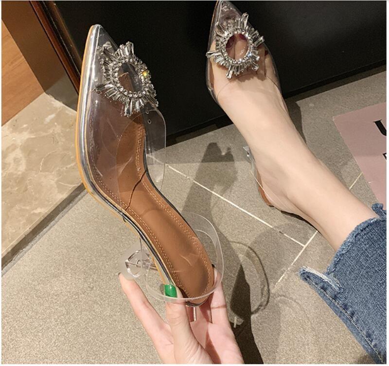 2021 Nouvelle Arrivée Girls Mode PVC Soft Soft Heel Sandales Femmes Casual Short Talon Shel Shoe Chaussure Lady Sandale Sandle Sandal Silver Taille 35-39 # P78