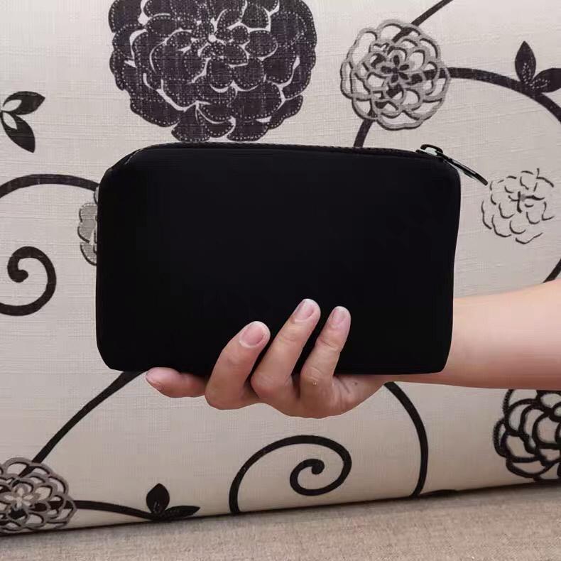 Organisateur Néoprène Noir Tissu Case à fermeture à glissière élégante toilette cosmétique classique chaude chaude maquillage sac de concepteur-mode cadeau cas VIP beauté Uuxm
