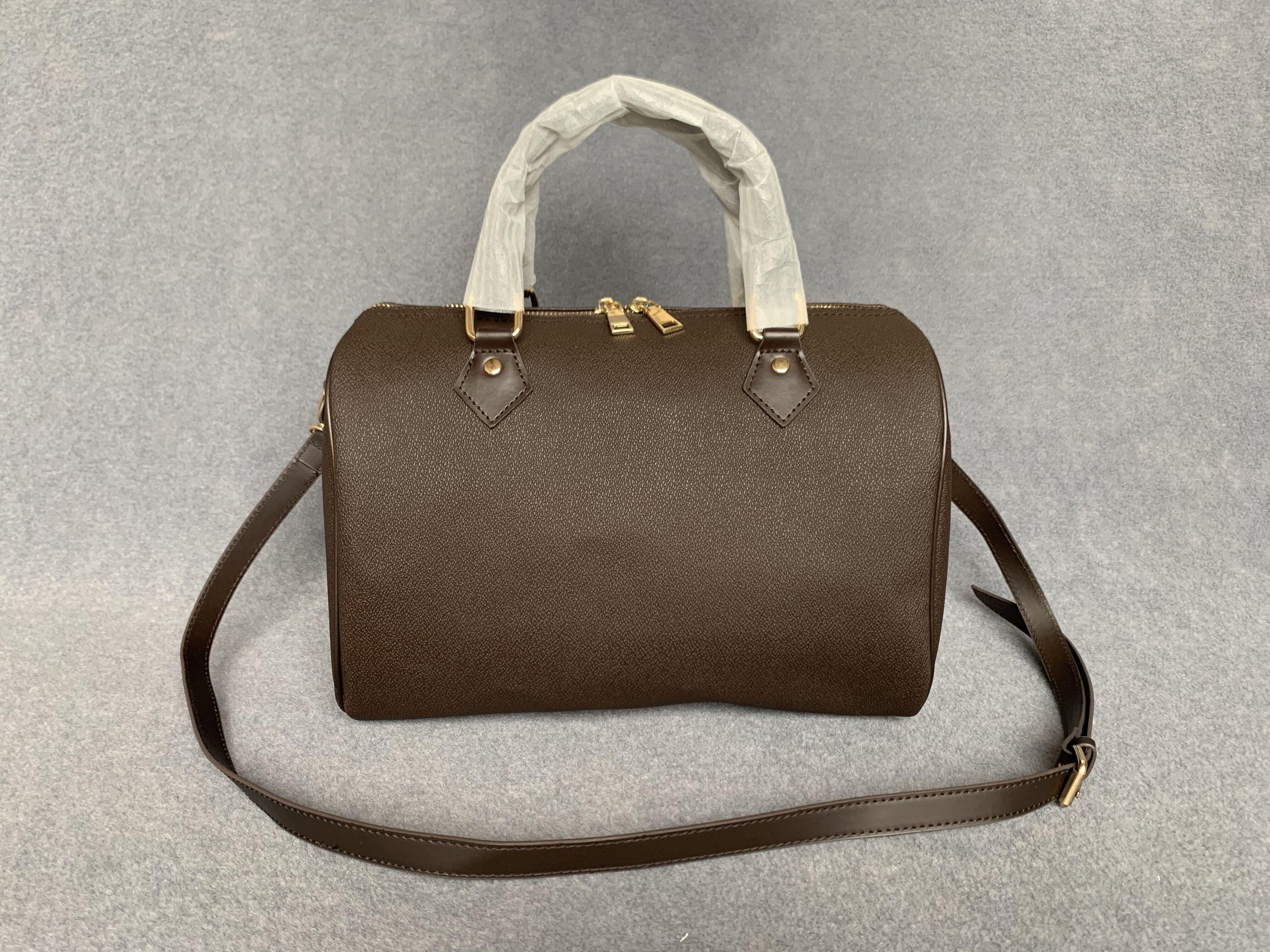 Designer Borsa Handbag Luxurys Borse di alta qualità Ladies Catena a catena Borsa a tracolla Vernice Diamond Diamond Luxurys Borse da sera Borsa a croce BODING L8824