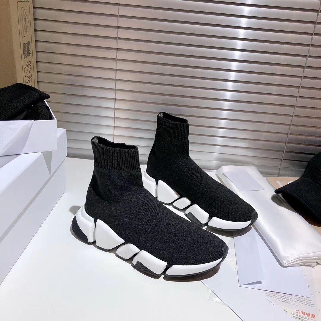 2021 Neue Designer Schuhe 2.0 Top Herren Socken Schuhe Damen Turnschuhe Triple Black Runner Trainer Komfortable Licht Casual Schuhe Größe 35-45