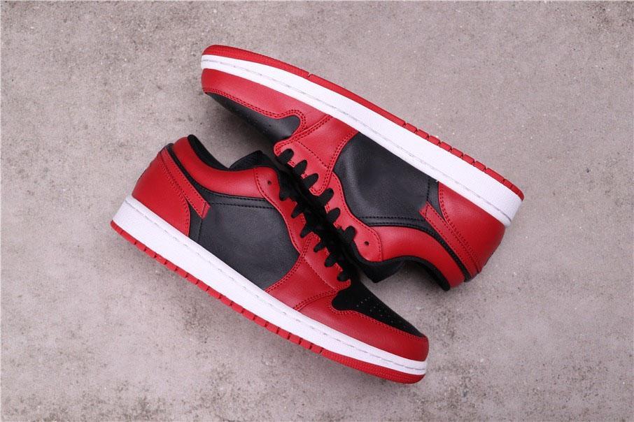 Authentischer Jumpman 1S-Schuhe Rote und schwarze Kollokation zeigt High-End-Temperament-Herrenschuh-Schuh im Freien laufenden Sneaker
