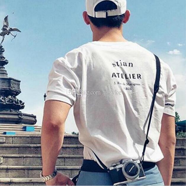 Summer Mens Designer T Shirt Hombres Ropa para hombres Mujeres sueltas con letras Imprimir Mangas cortas Top Moda de lujo Camiseta Tamaño S-2XL