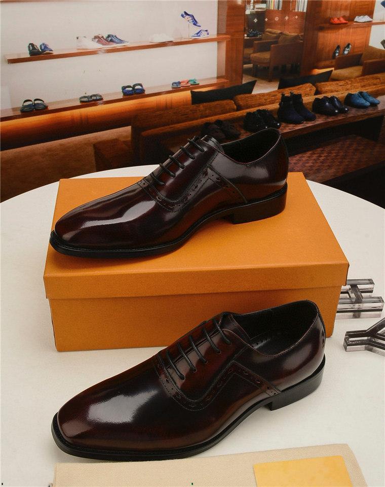 Negócios Clássicos de Negócios Sapato de Sapato de Moda Elegante Formal Sapatos de Casamento Designer Homens Deslize no Office Oxford Shoes para Homens Luxo Homens Sapatos