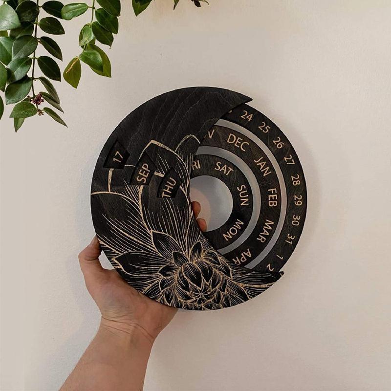 Творческий деревянный висит вечный календарут с регулируемым календарем круглый календарь, 3d гравированная деревянная луна вечно-черный