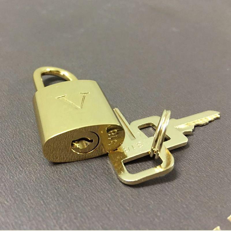 Cadeado de bagagem das mulheres dos homens Bloqueio de segurança Cor de metal Vários fechamentos de cor e chaves Cadeado de mala. LOCK SET = 1 bloqueio + 2 teclas.