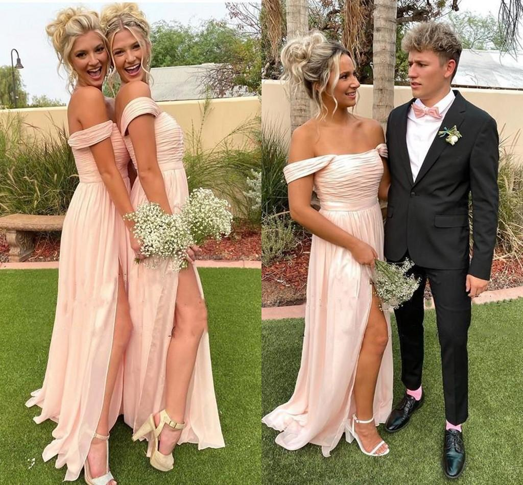 Pink Off the Shoulder Bridesmaid Dresses Sexy Side Slit Chiffon A Line Beach Wedding Guest Party Dress Pleats Maid Of Honor Gowns AL8682