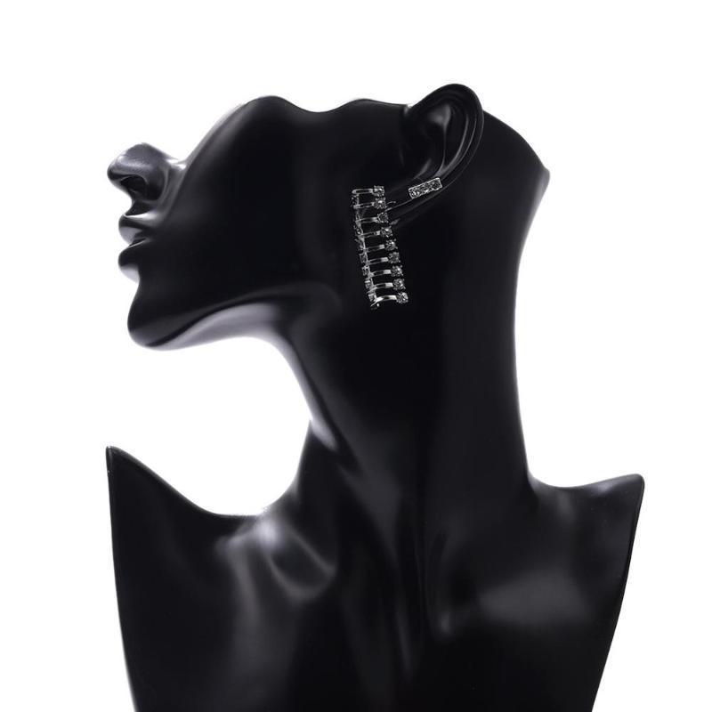 Fashion Alliage rétro simple et irrégulier de boucles d'oreilles en zircament de zircament All-match Boucles d'oreilles pour femmes TRENDY CHARM