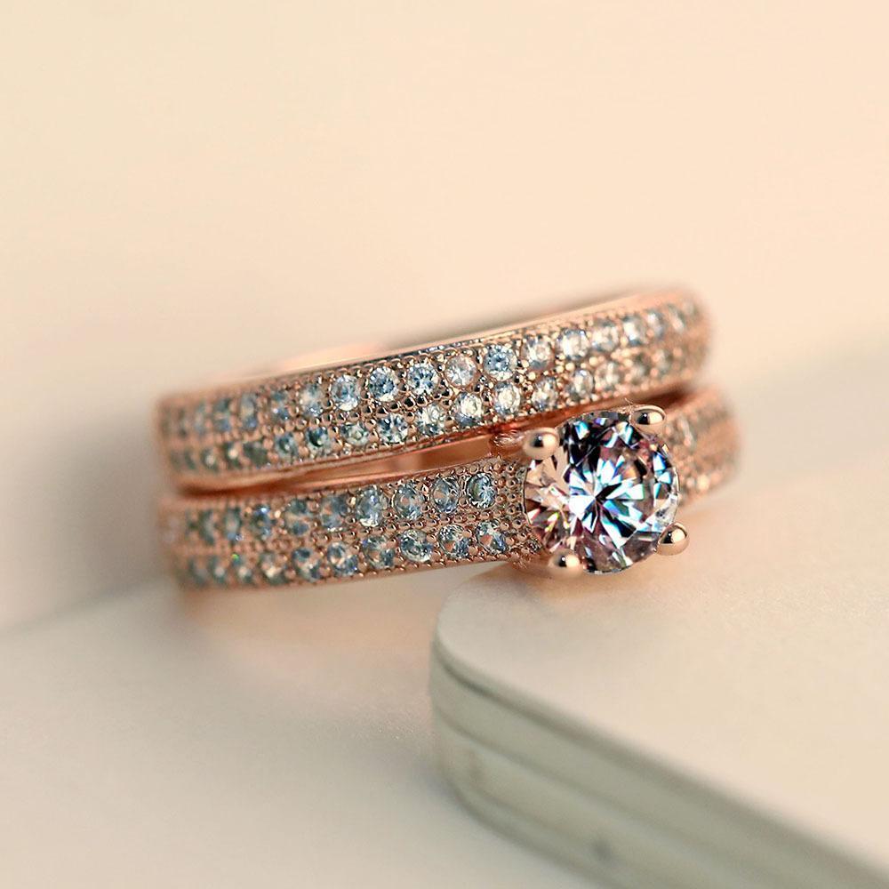 Juego de anillos de bodas nupciales blancos de lujo femenino de lujo Forme el color de la joyería llena de color de moda CZ Anillos de compromiso de piedra para mujeres