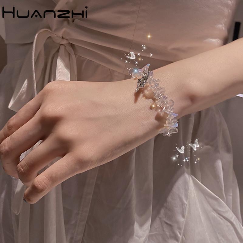 Huanzhi 2020 Nouvelle fée Sweet Butterfly Pendentif cristal transparent irrégulier Bracelet de corde élastique pour femmes bijoux de fête