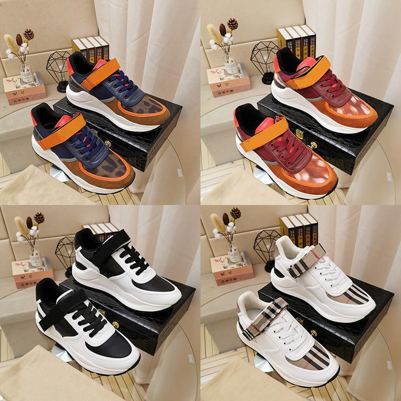 Burberry Burberr Marca Bur alta Top Quality Mens Triple S Runner scarpe moda casual Stivali Designer Luxe Uomini Sports Campo formatori Bianco Nero Sneakers