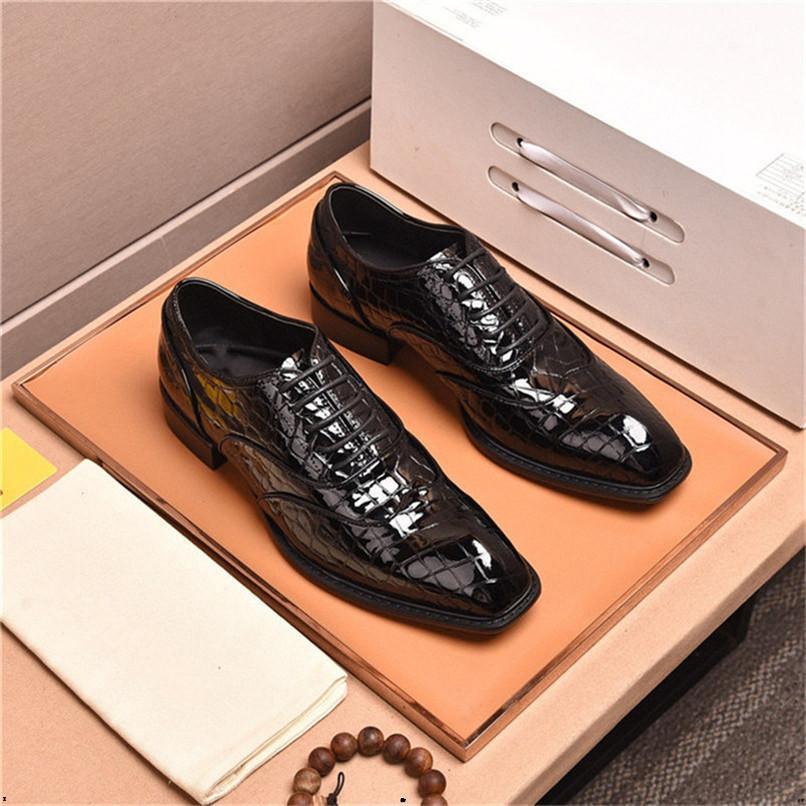 Designer di grandi dimensioni Design Dress Shoes Handmade Monk Fibbia cinturino Mocassini da uomo Scarpe da uomo Brown Bel Cap Toe Business Wedding Oxfords per gli uomini