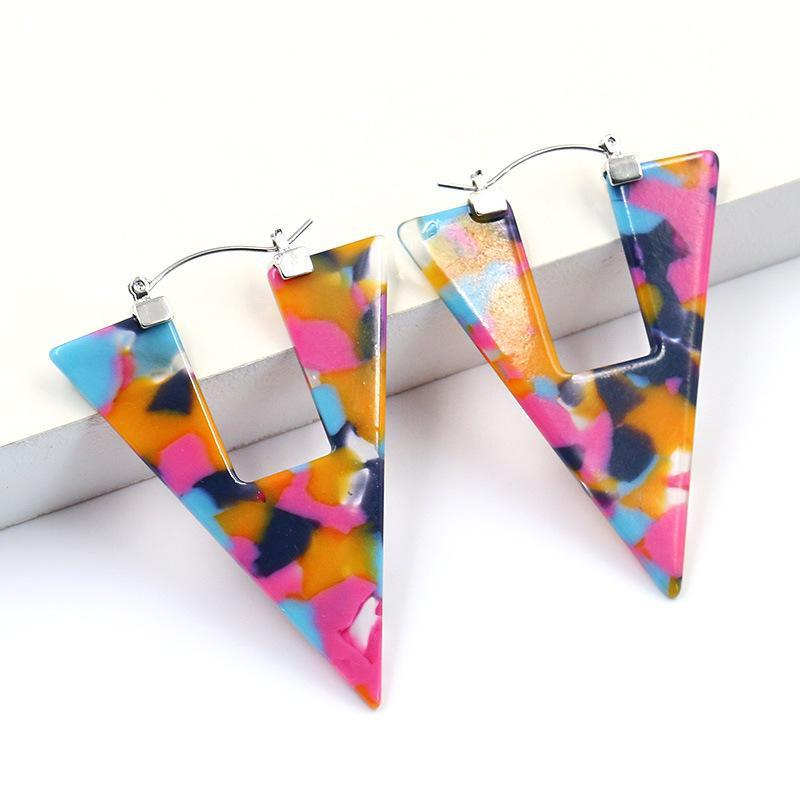 Nouveaux boucles d'oreilles de la mode Triangle géométrique Boucles d'oreilles d'acétate d'acétate acrylique Accessoires d'oreille simple et généreux pour femmes