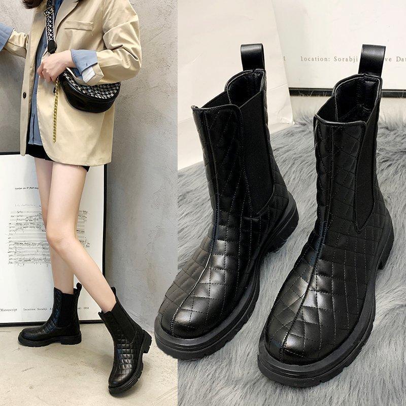 2021 New Chunky Heel Heel Heel Mid Boots Black Plus Velvet Moda Boots Femminile Inverno All-abbinamento Zapatos de Mujer