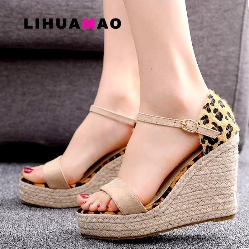 Zapatos de vestir Lihuamao Suede Leopard Women Wedges Sandalias Verano 2021 Espáquidos Zapatos, Plataforma de punta de tobillo, Playa Casual
