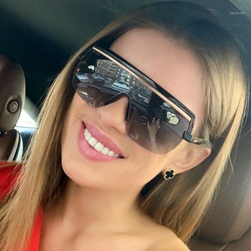 Unisex Retro Boy Düz Üst Güneş Kadınlar Marka Tasarımcısı Kare Maske Güneş Gözlükleri Kadın Erkek Yarım Çerçeve Shades Için UV4001