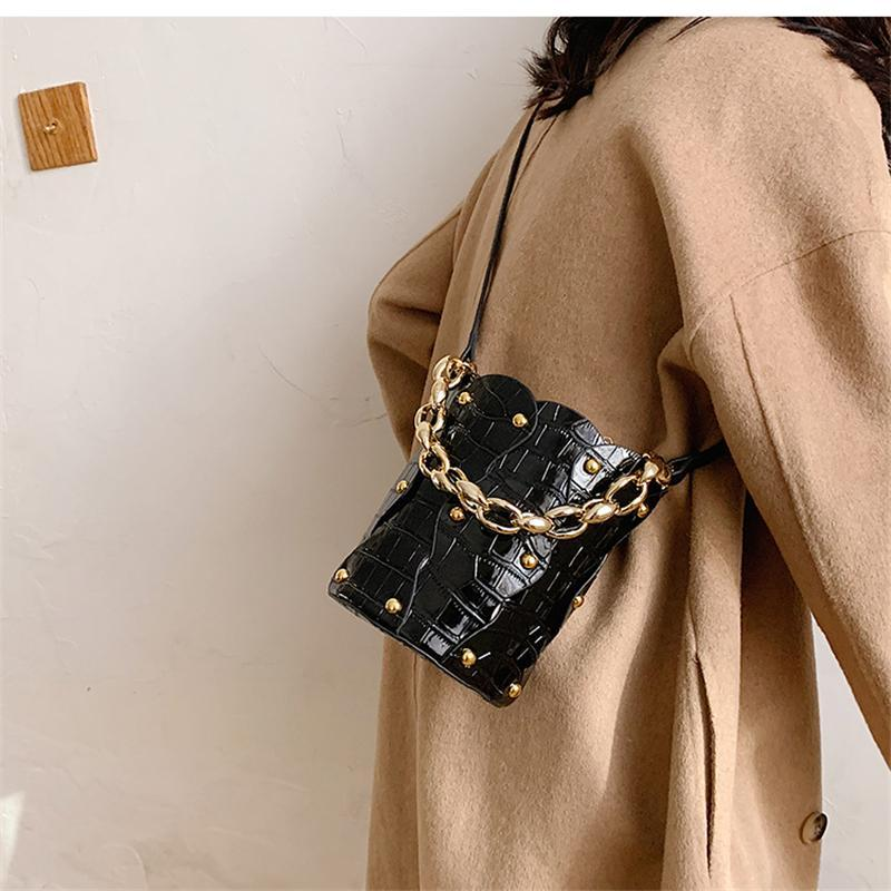 Rivet Crossbody Bag Women Drawstring 2020 Calidad Bolsos Cadena de cuero Xetbx High Designer Deco Bag Bags Bolsas Hombro Para Trendy WXAKP