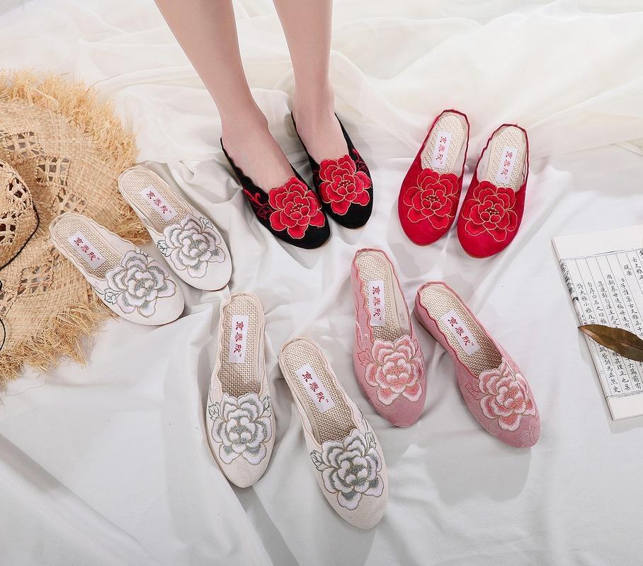 Sandali da donna ricamati vintage sandali etnico vecchio tessuto di cotone pechino in tessuto donna pantofole signore muli cuneo piattaforma scarpe femmina hanfu1