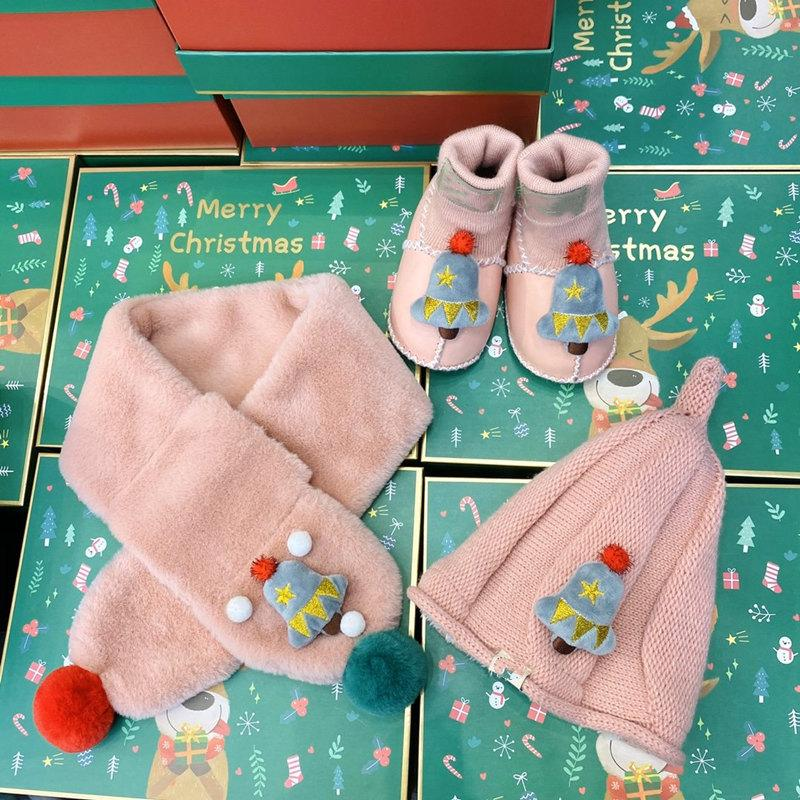 Super classic luxury design newborn baby three-piece suit plus velvet thick hat Christmas scarf shoes length 13cm free shipping