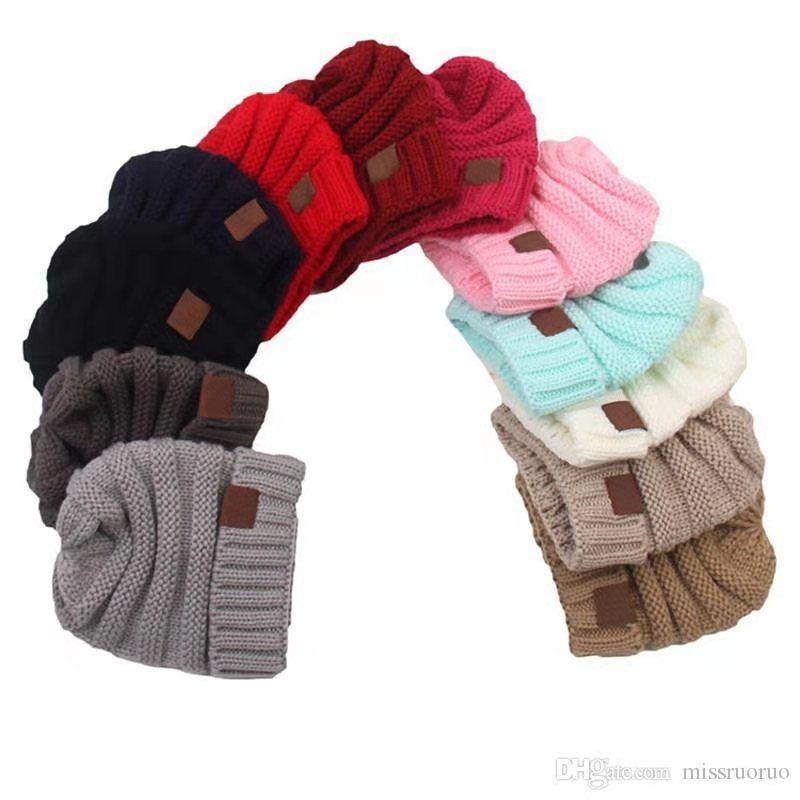 Çocuklar Kış Sıcak Şapka Örme Şapka Etiket Çocuk Tıknaz Gerilebilir Çocuk Örme Beanies Bebek Şapka Beanie Skul Şapkalar 12 Renk 50 adet